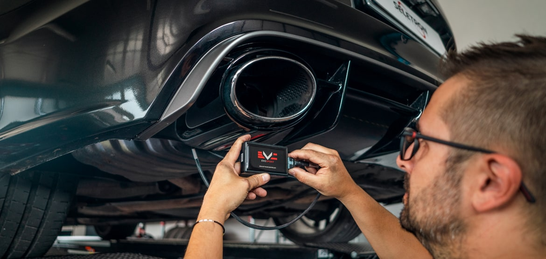 exhaust valves control unit